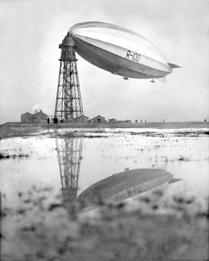 R100_airship_tumblr_nxg45vqkfu1sxm4