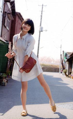 Hashimoto_ai_fukunono_tumblr_o0h1rd